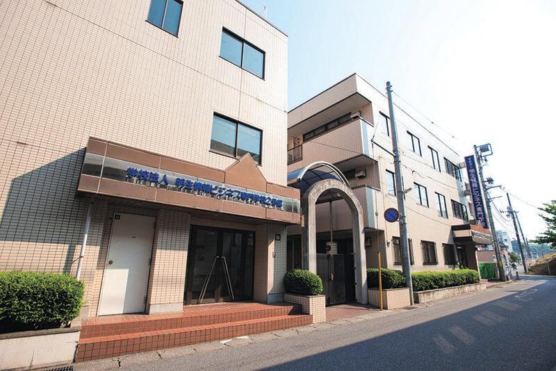 日本国際工科専門学校2,3号館