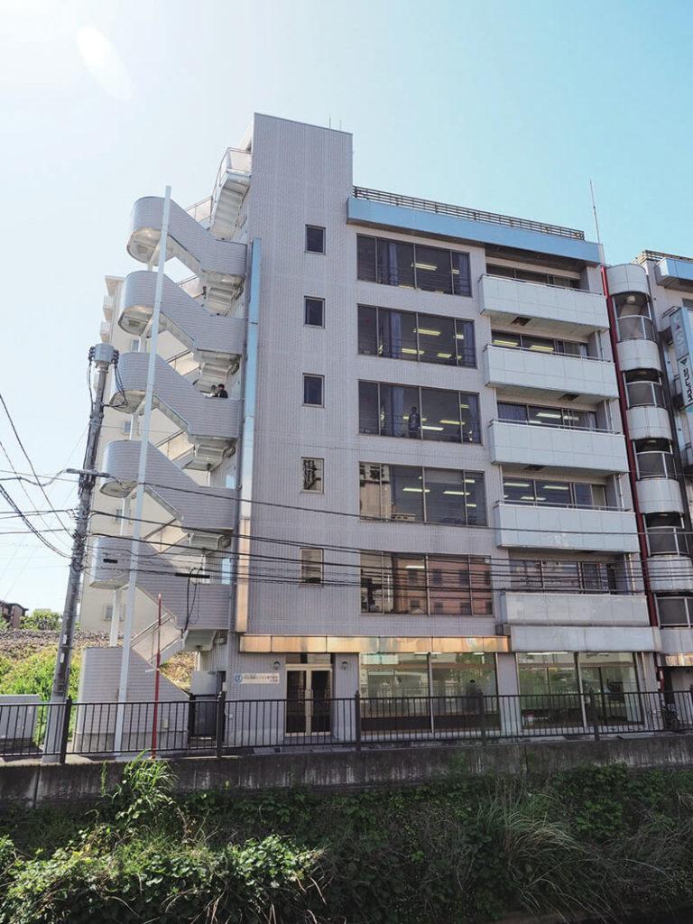 日本国際工科専門学校4号館